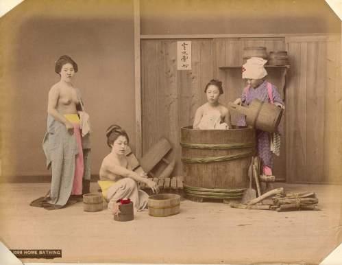 Kusakabe_Kimbei_-_B1098_Home_Bathing