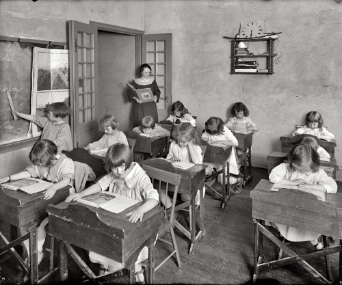 schoolhouse-teaching